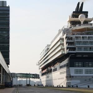 cruise embark