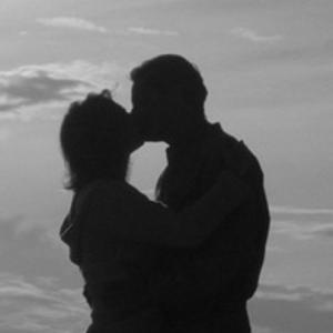 kiss silhouette tight