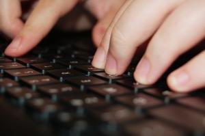 typing-1242387-639x424